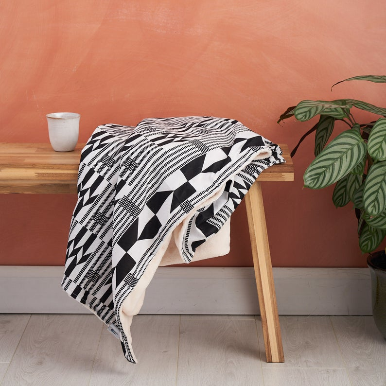 African print throw blanket - Black and white Kente