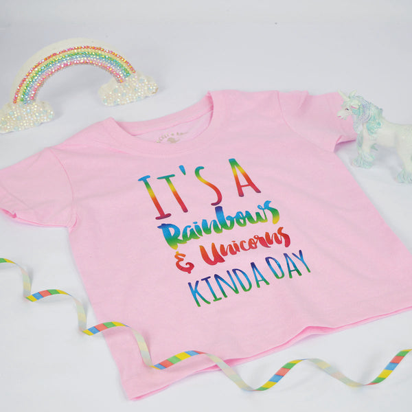 'It's a Rainbows & Unicorns Kinda Day' Cute Kids Slogan T-Shirt