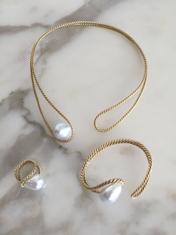 haute-victoire-fine-jewelry-18k-gold-south-sea-pearl-necklace-cuff-ring