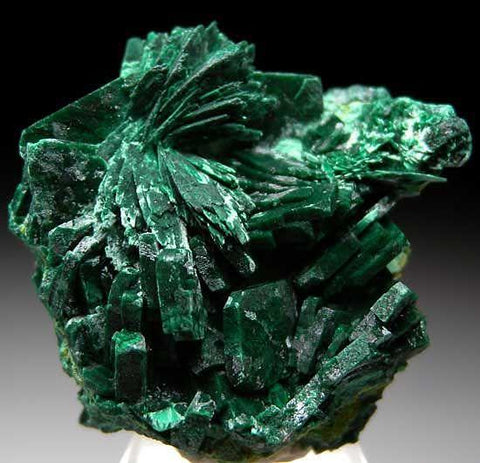 malachite-gemstone