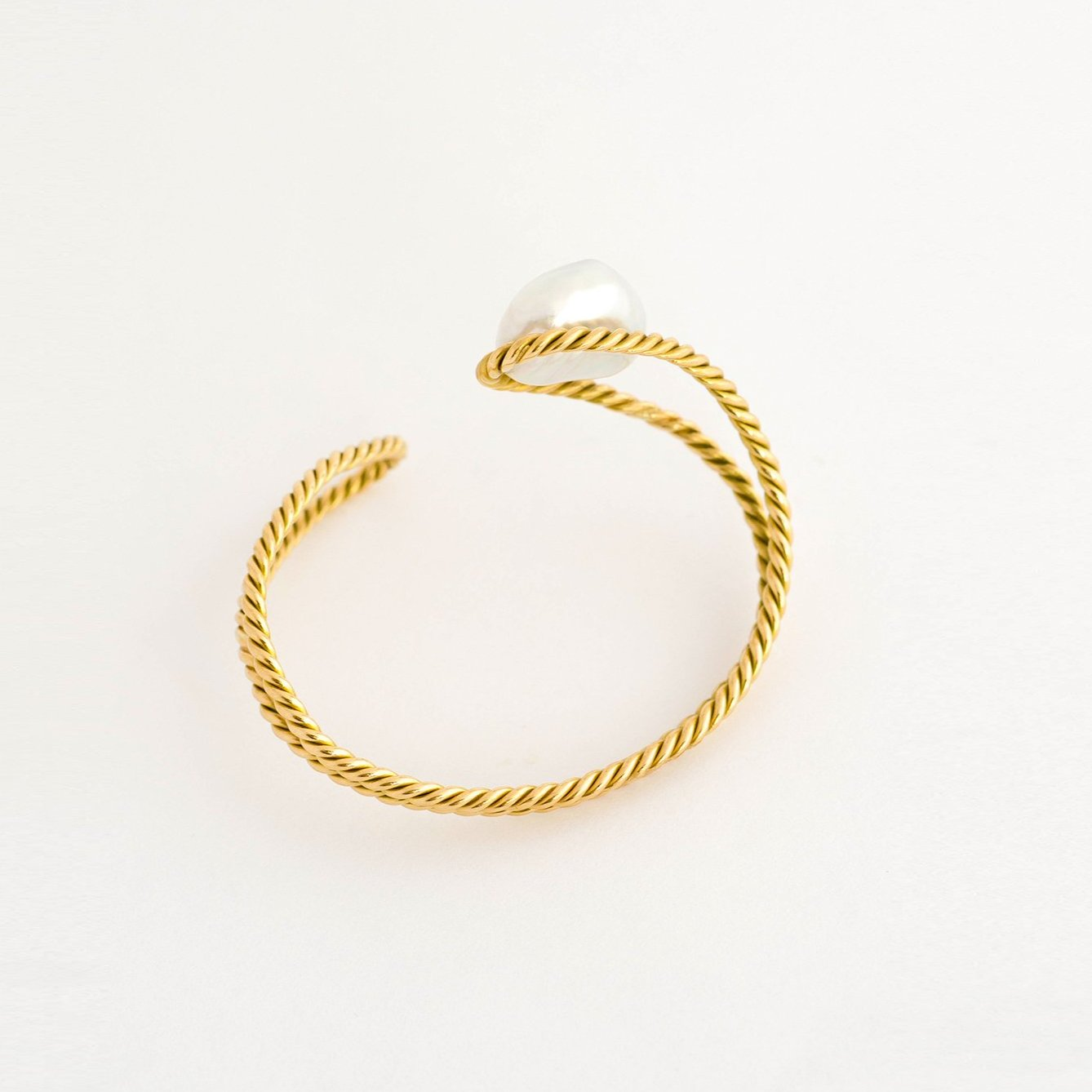 South Sea Baroque Pearl Gold Twisted Bracelet
