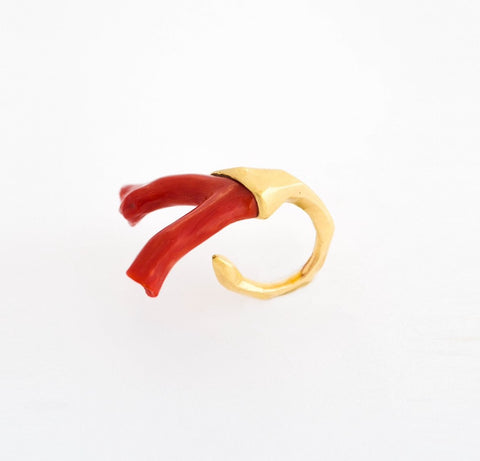 Vintage Coral & Open Shank Gold Ring