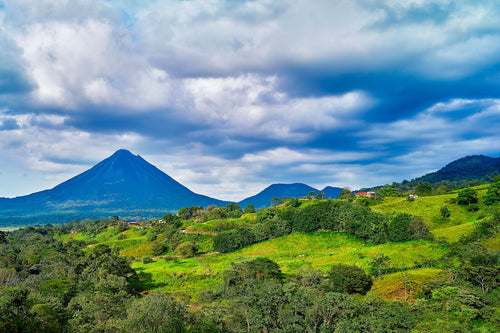 Mountain Farm under Arenal Volcano - Costa-Rica
