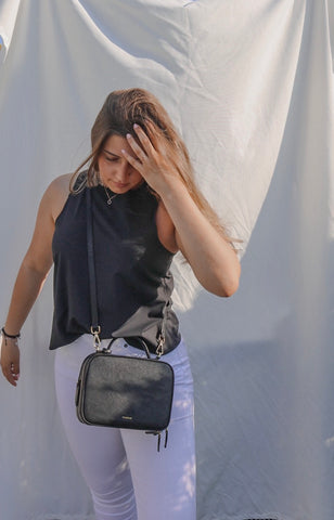 Despina, vegan fashion blogger wearing FERRON vegan black crossbody bag
