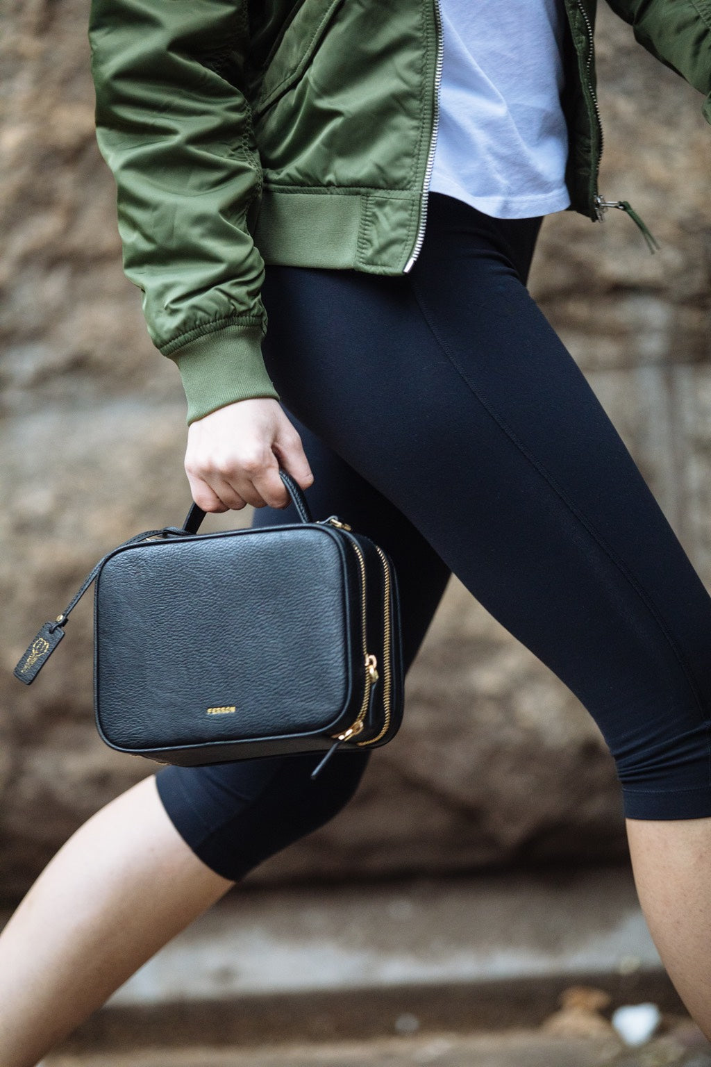 FERRON - Vegan Crossbody Handbag Black Street Style Picture 3