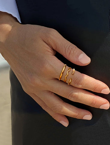 NOODLE WAVE 18K ROSE GOLD VERMEIL STACKABLE RING