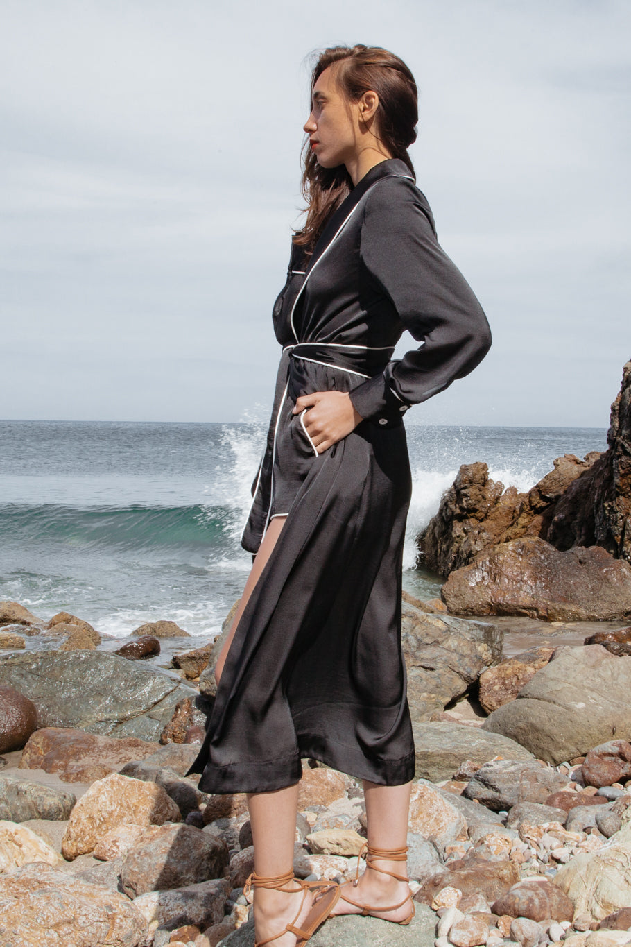GRACE ROBE - BLACK