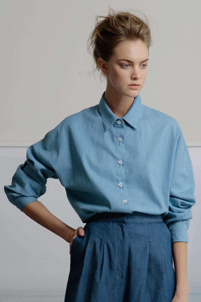 JUNE TOP - LIGHT CHAMBRAY