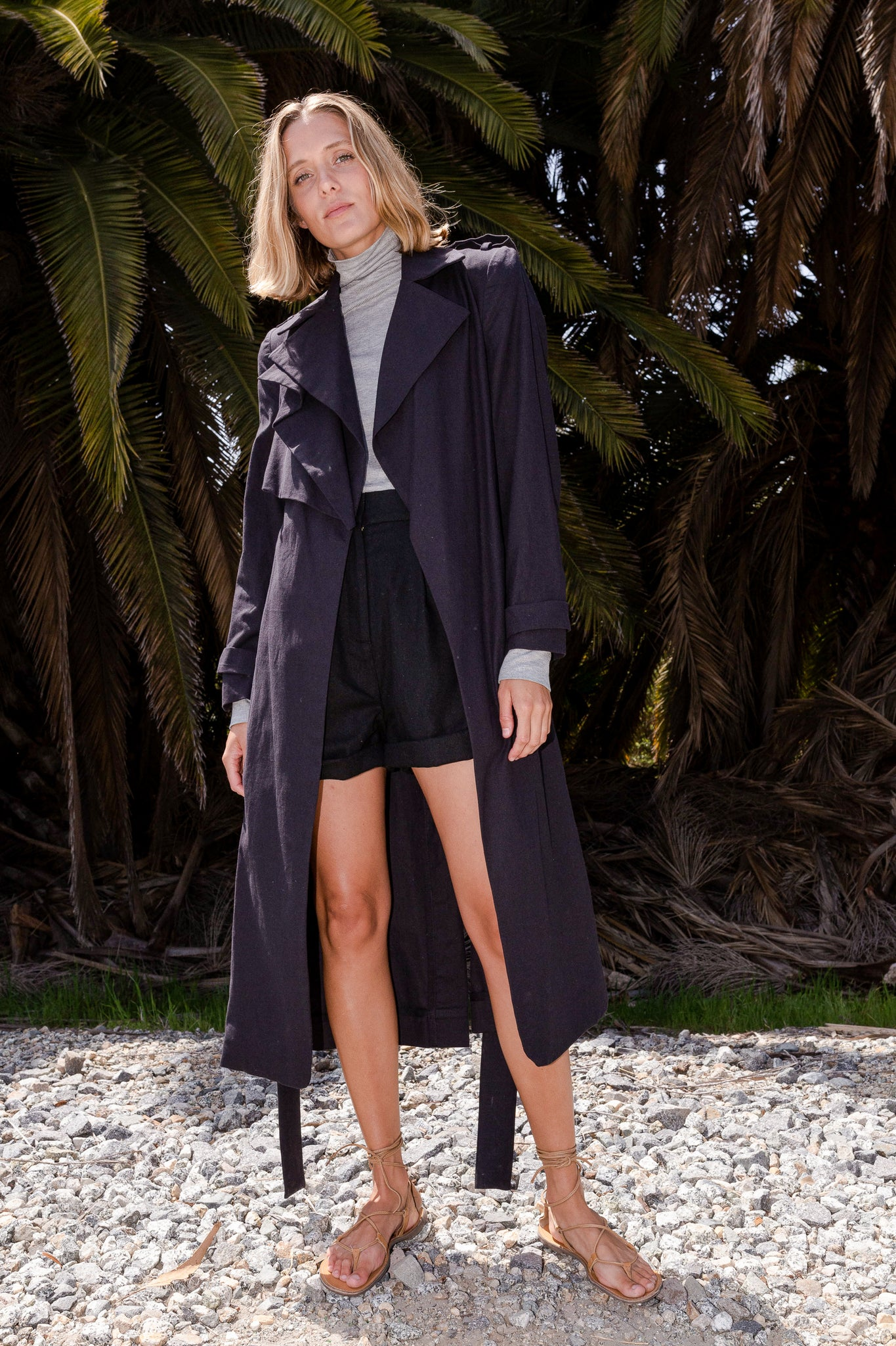 ELPHAIS TRENCH COAT - BLACK