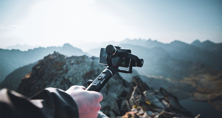 A Portable 3-Axis Handheld Gimbal Designed for Photographers —— G6