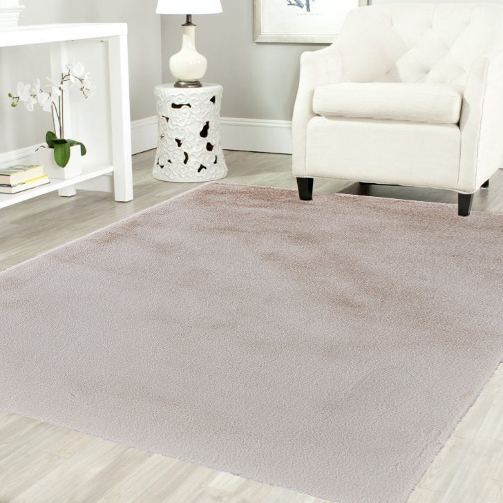 Cream Pony Ultra Soft Faux Fur Luxurious Modern Rug Floor Mat