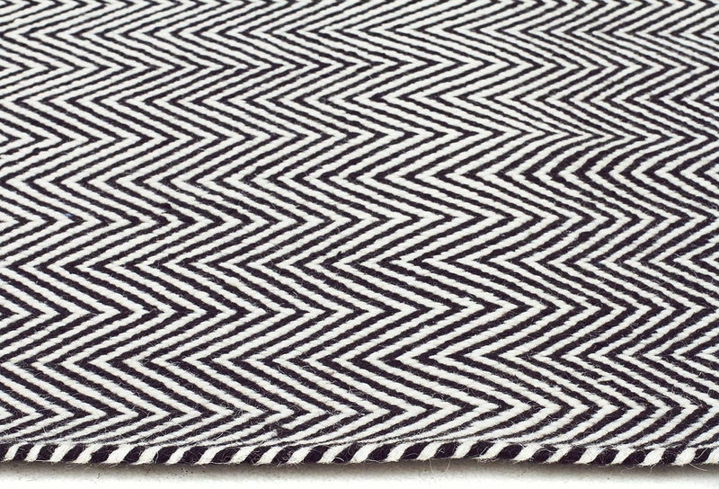 Skandi-Herring Bone Chevron Rug Black-RUG HOME