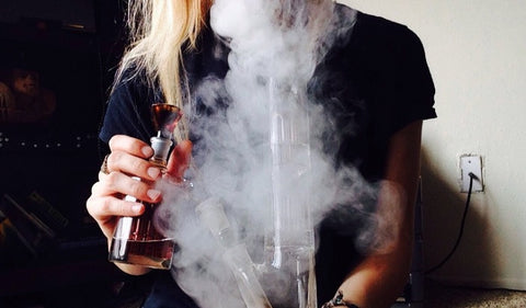 Can you use a bong without water? – Everyone Does It US