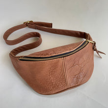Load image into Gallery viewer, Sven | Leather Fanny Pack in Cognac