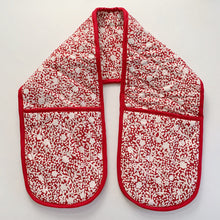 Load image into Gallery viewer, Winter Berry Double Potholder