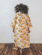 Load image into Gallery viewer, Printfresh | Wildcat Robe in Blush