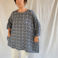 Load image into Gallery viewer, Cut Loose | Two Pocket Pullover in Grey