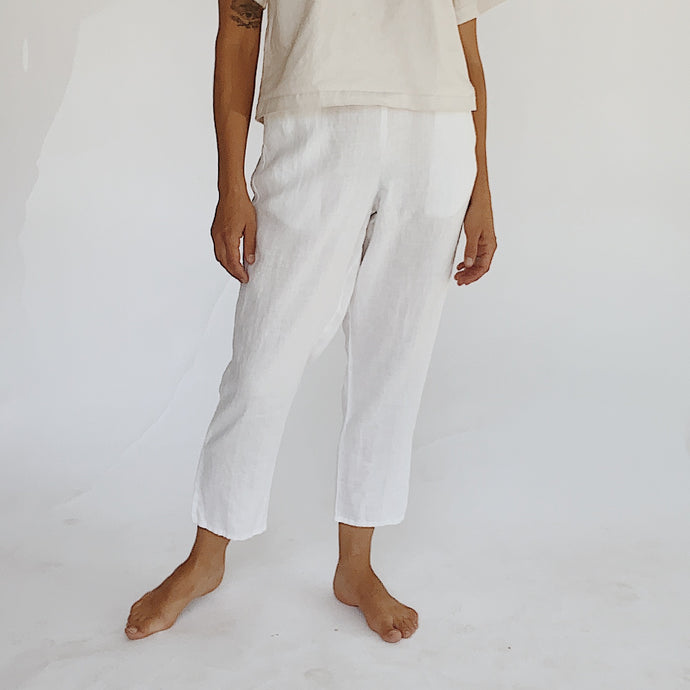 Flax | Pocketed Ankle Pant in White