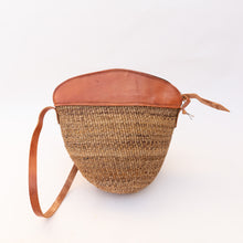 Load image into Gallery viewer, front view of banana fiber tote