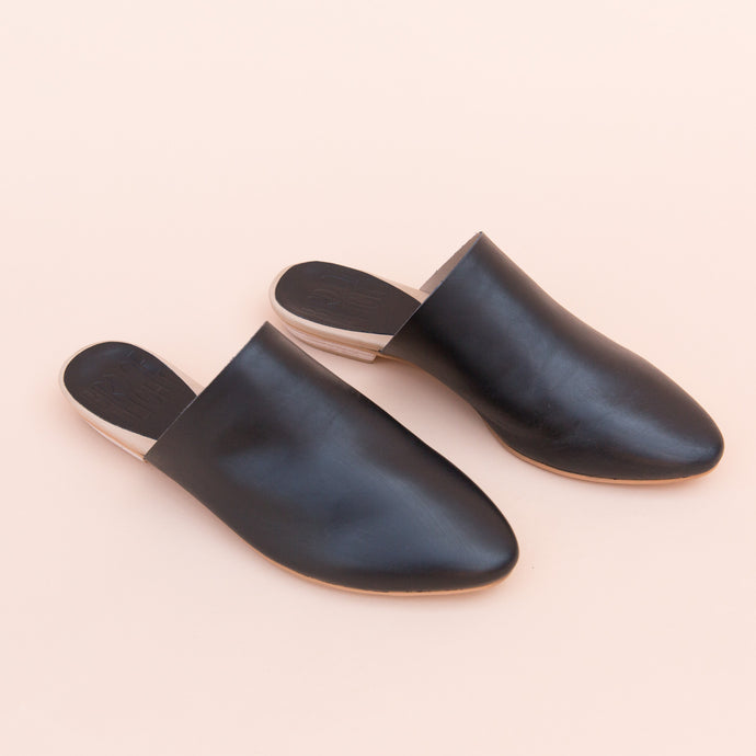 Bird of Flight | Leather Slide in Black