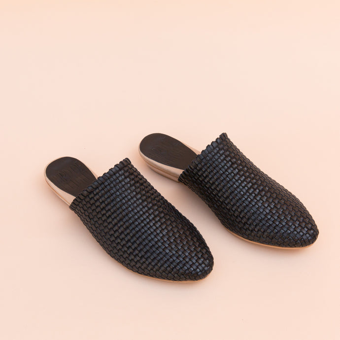 Bird of Flight | Woven Slide in Black