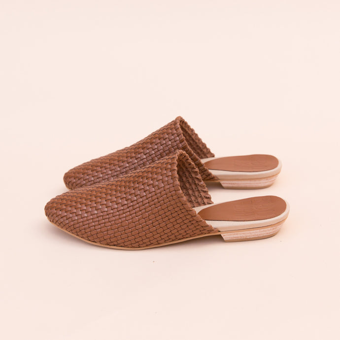 Bird of Flight | Woven Slide in Brown