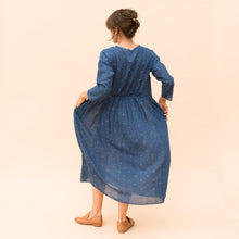 back view navy dress by bunai