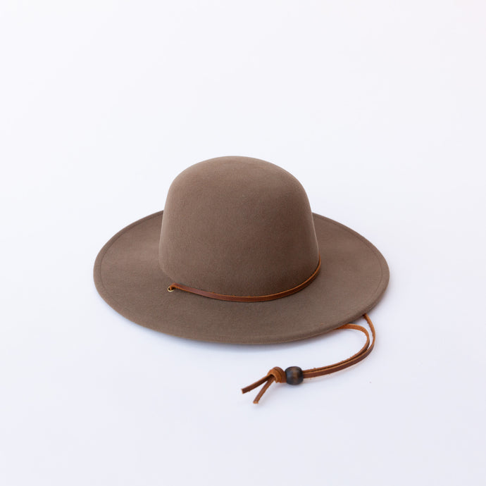 camel felt hat with strap