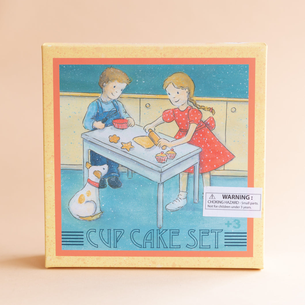 front view of cupcake set
