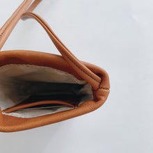 Load image into Gallery viewer, Sven | Small Leather Bag in Cognac