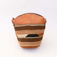 back view of fine weave bag