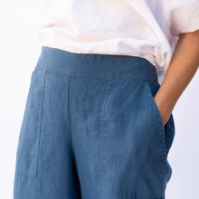 close up view flax kate pant in blue