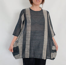 Load image into Gallery viewer, Mona Lisa | Gathered Hem Pocket Top