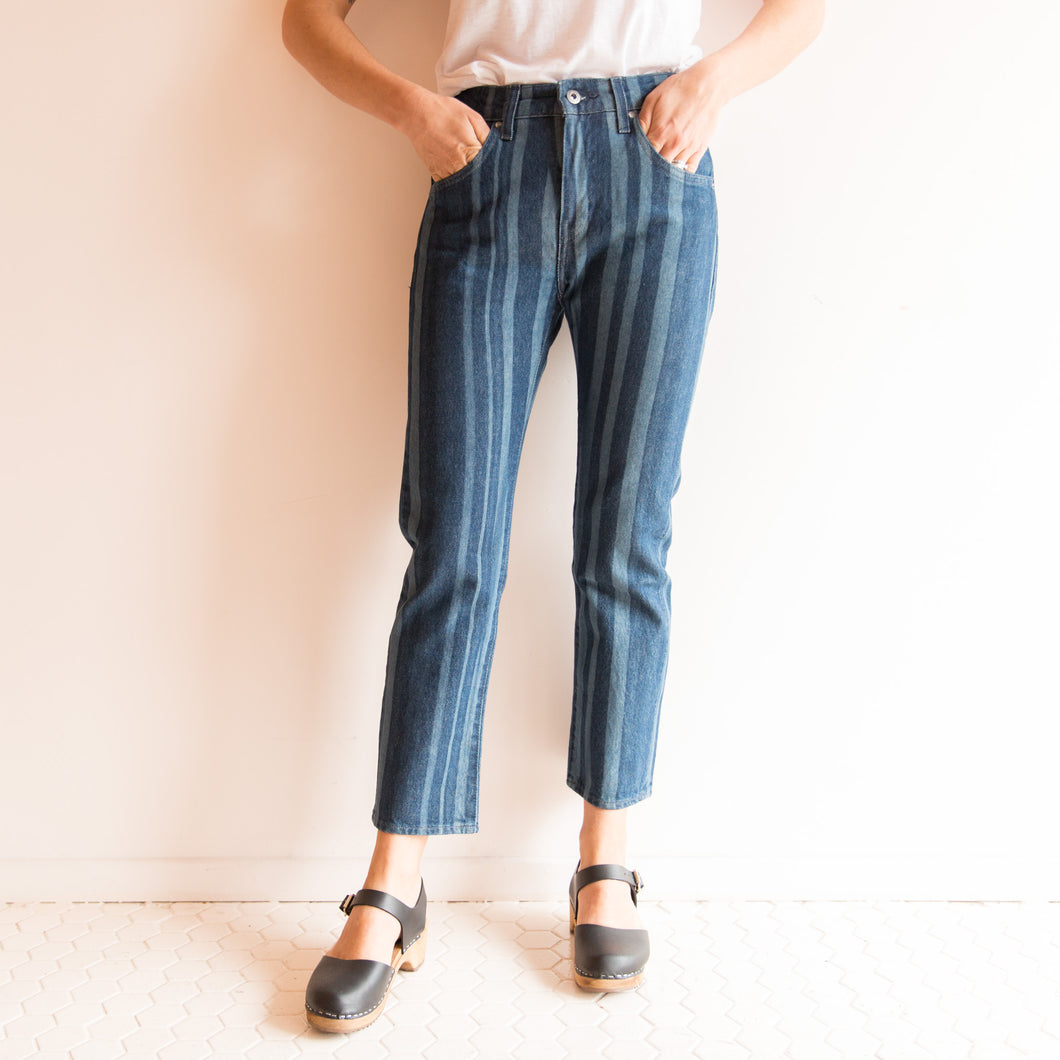 front view striped slim crop levi's