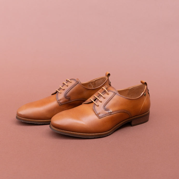 diagonal view pikolinos brandy lace-up oxford