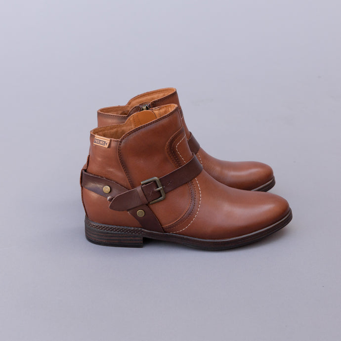 side view pikolinos buckle boot from spain