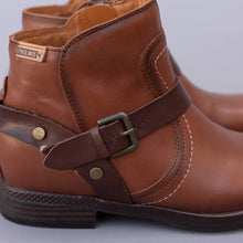 close up view pikolinos buckle boot from spain
