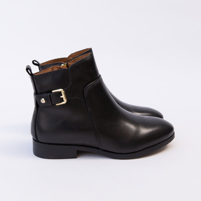 side view buckle boot black from spain