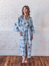 Load image into Gallery viewer, Printfresh | Elephant Robe in Sky Blue