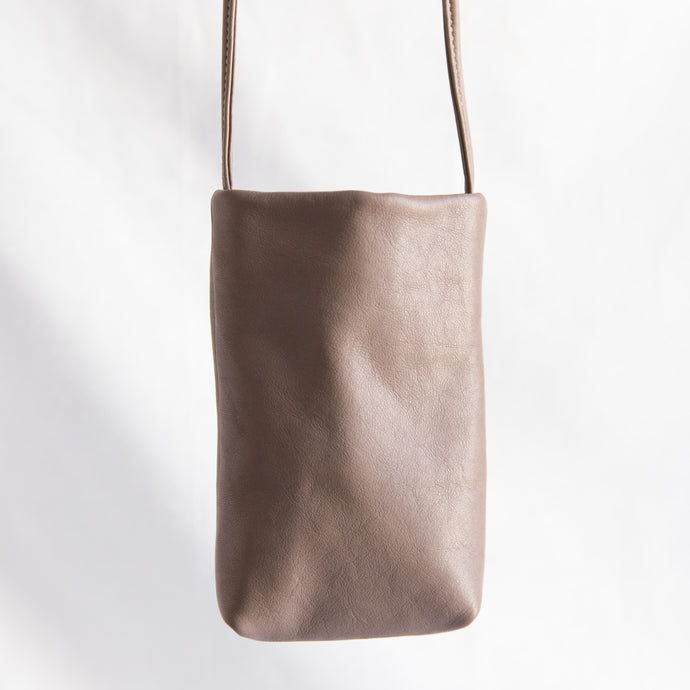 Sven | Small Leather Bag in Taupe