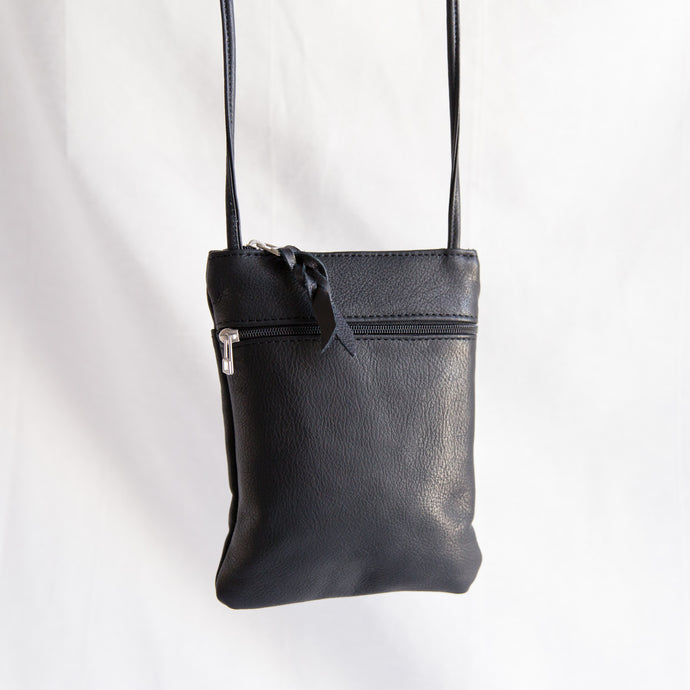 Sven | Small Black Zipper Bag