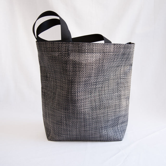 Basketweave Tote in Carbon | Large