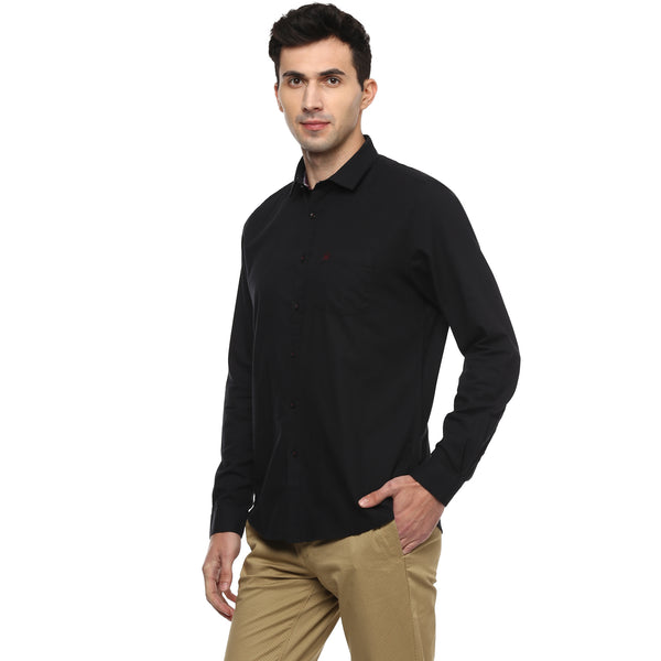 Solid Black Structured Slim Fit Casual Shirt