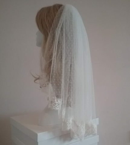Polka dot tulle wedding veil with lace