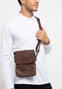 Distressed Leather Nomad Crossbody Pouch - Dark Brown