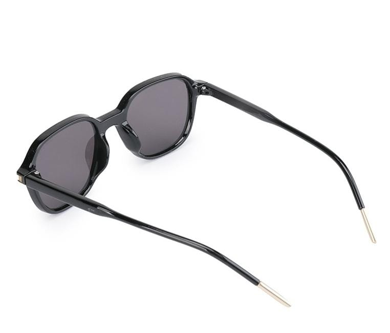 Vintage Retro Square Sunglasses - Black Black Sunglasses - Urban State Indonesia