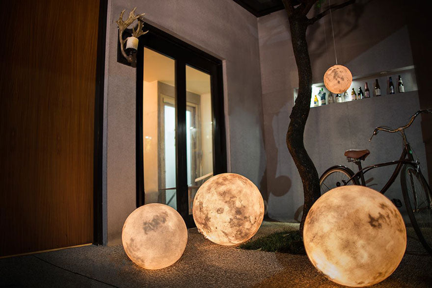 ... Two Tone Majestic Luna Moon Lamp With Stand ...
