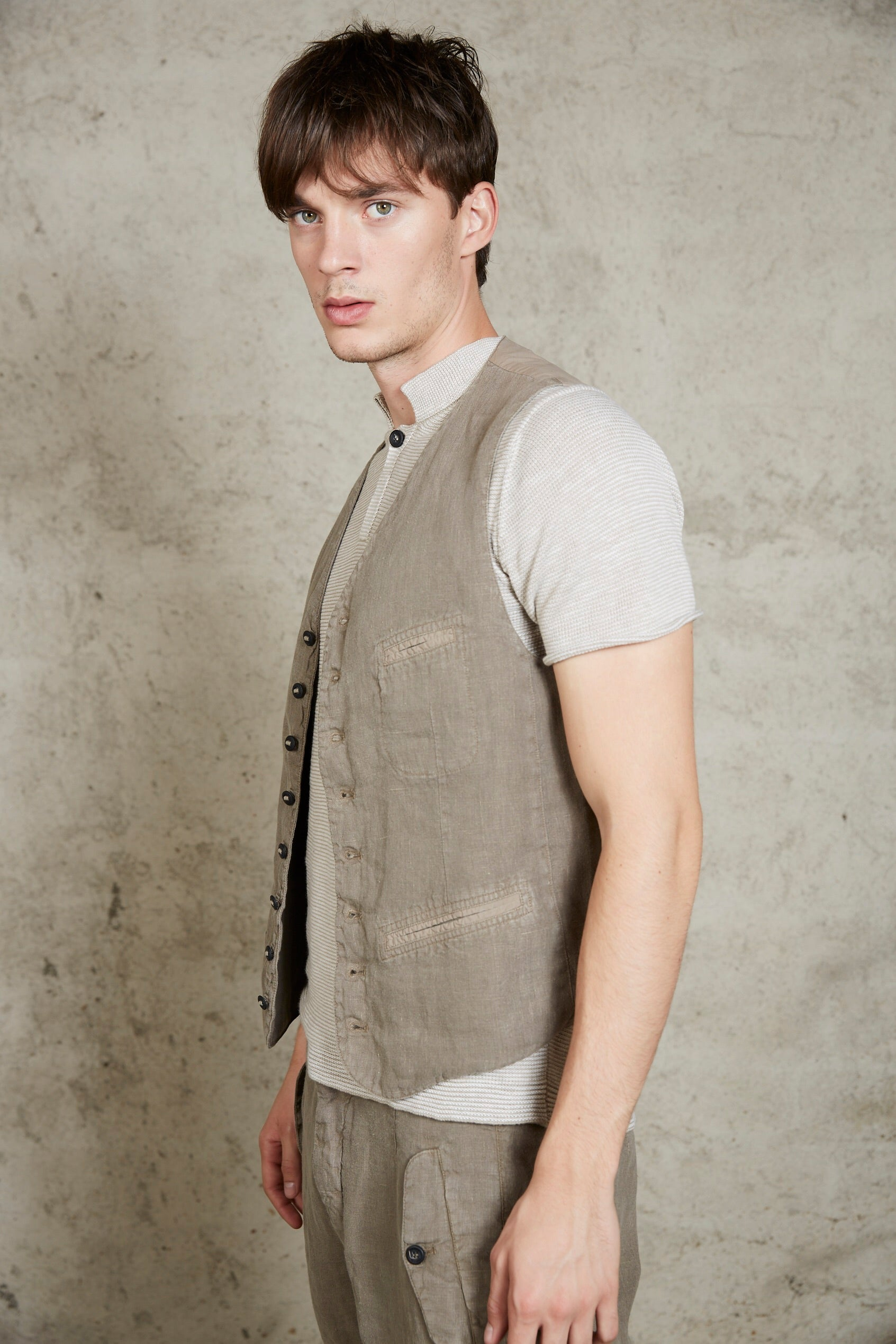 LAST ONE! Hannes Roether Linen Vest