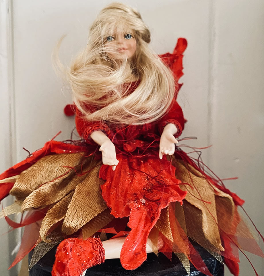 Holly Copper and Red Fairy 9 Inch