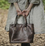 Alpage A Leather Handbag in Willow
